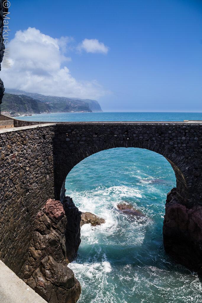 Brücke im Atlantik