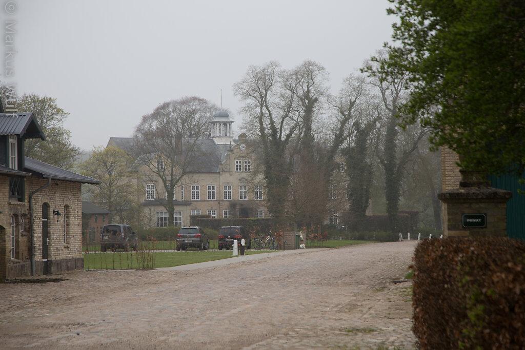 Gutshaus im Nebel